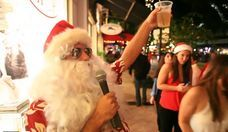 Drunk Santas of Fort Lauderdale Santacon Try to Name All of Santa's Reindeer