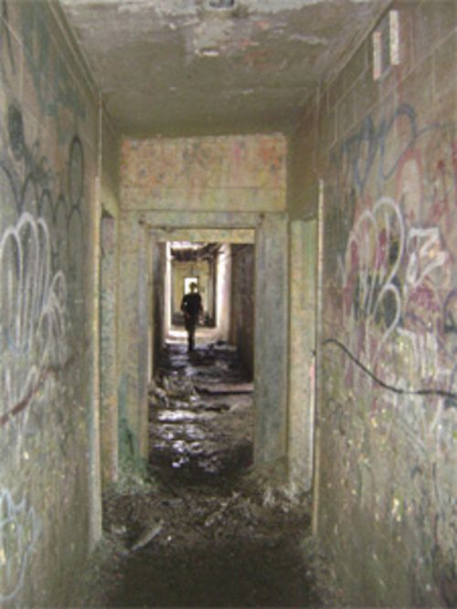 Hurry, soldier; somewhere down this creepy passageway is a hostage who needs to be rescued!