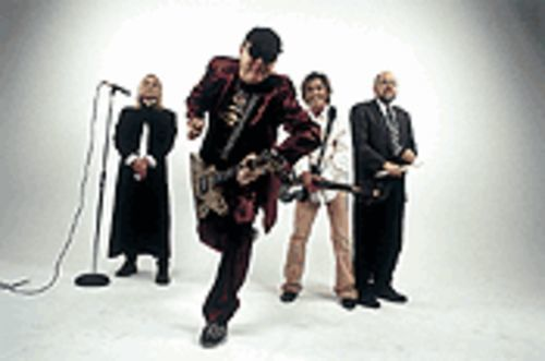 Up to their old tricks: Robin Zander, Rick Nielsen, Tom Petersson, Bun E. Carlos