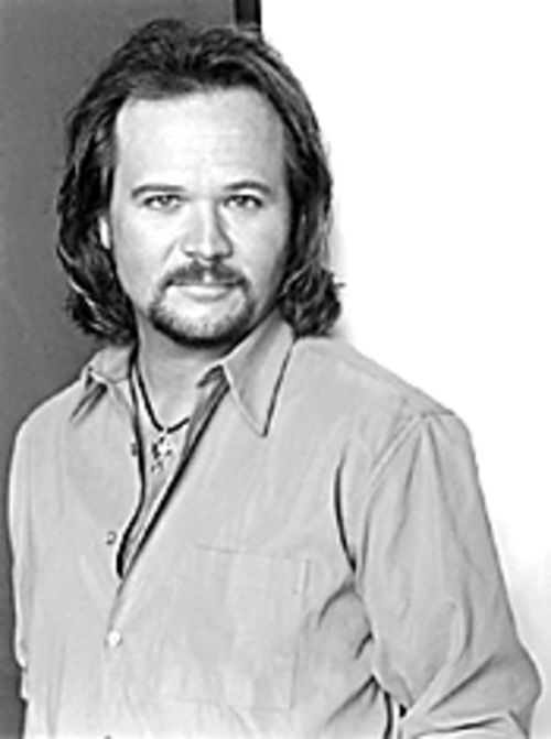 Travis Tritt tends to tailgaters.