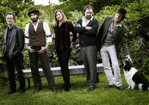 Ray LaMontagne (second from left), the Pariah Dogs, and, um, a real dog.