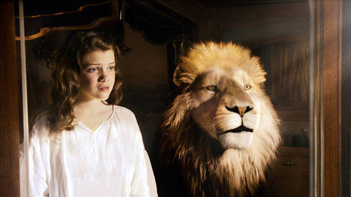 Lucy (Georgie Henley) seeks counsel from Aslan the Lion.
