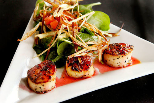 The seared scallop tapas ($11.95) was large enough to be an entrée.