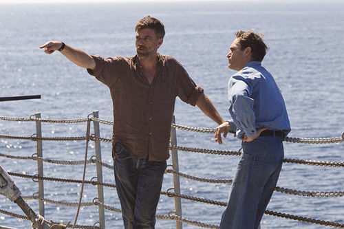 Paul Thomas Anderson and Joaquin Phoenix on the set of The Master.