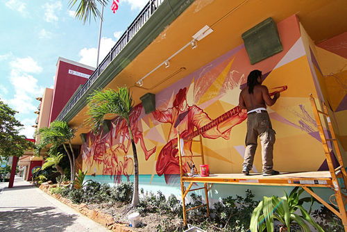 Artist Ruben Ubiera helps bring life to downtown Hollywood.