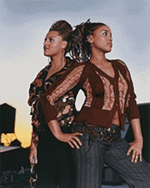 Flow on: Marsha Ambrosius (left) and Natalie Stewart of Floetry