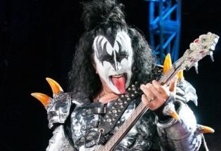 KISS and Def Leppard Rock Cruzan