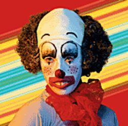 When did Howard Stern let Beetlejuice become a clown?