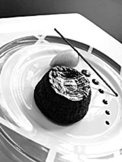 The chocolate soufflé is a creation of pastry chef Rémy Fünfrock.