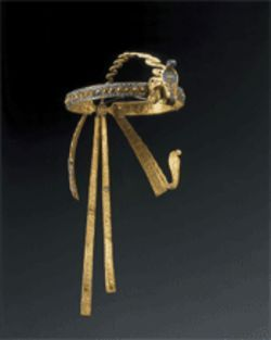 The diadem that adorned the mummy's head — part of the tomb's booty