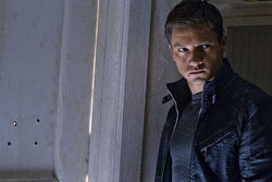 Matt Damon... er, Jeremy Renner is re-Bourne.