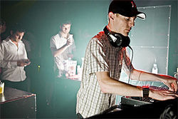 Sometimes Things Get Complicated Techno prodigy Deadmau5 mans the boards for an increasingly bored audience.