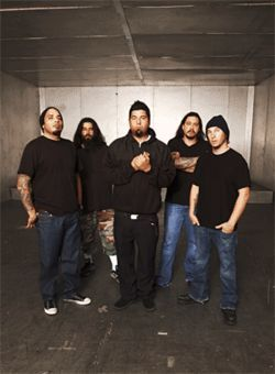 The Deftones bring the Saturday Night Wrist on Wednesday.