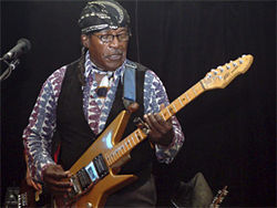 Eddie Kirkland plays his wildman blues.