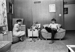 Intimate photos solidify Elvis&#039; rep as a hunk o&#039; burnin&#039; love.