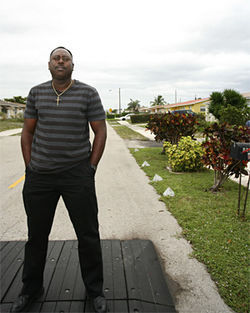 Hicks family friend Wayne Adams warned Jerome Hicks: ¨These Haitians are talking about shooting up your house.¨