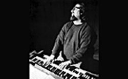 Joey DeFrancesco tickles the ivories