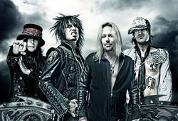 Fashion gods Mötley Crüe.