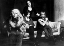 Breaking up is hard to do: Veruca Salt sticks it out