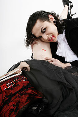 Models: Gino Suarez and Chloe Boulanger of Cabaret Vampyra