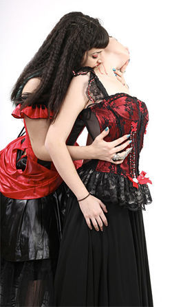 Models: Julia Doltchinkova and Chloe Boulanger of Cabaret Vampyra