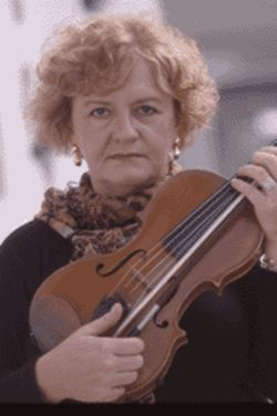 FPO violinist Izabela Cohen plays with the Arcangelo  Piano Quartet. Her colleague, Yang Xi, is also a  member.