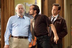 Colin Farrell apparently smells a dud (Donald Sutherland) as Jason Sudeikis watches.